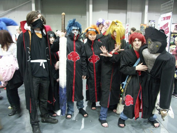 naruto_group_cosplay__telford_mcm_2011_by_the_four_armed_man-d4r1svu