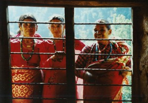 village-women-nepal-1525717 copia